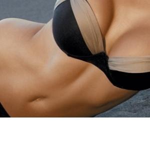 Plážový průvodce: Jak vybrat plavky pro váš typ postavy?