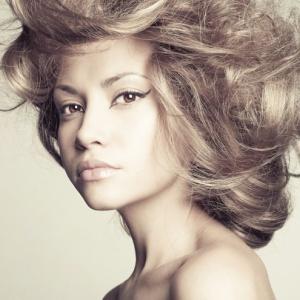 Upravené vlasy jako ze salonu
