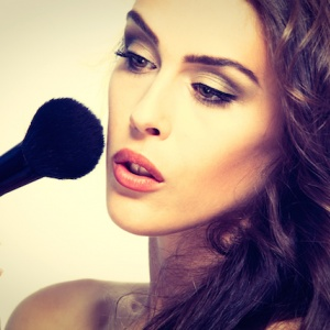 Pět triků v líčení, které by měla znát každá žena