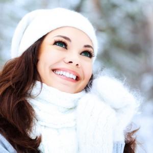 Super tipy, jak nosit letní oblečení i v zimě