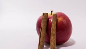 Jablíčko-skořicová maska na mastnou a problematickou pleť