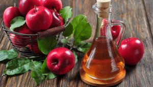 Jablečný ocet pro lesklé a hebké vlasy