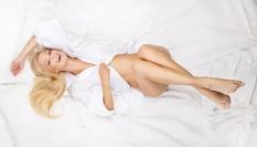 Zamez tvorbě vrásek spaním na zádech