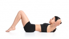Vybuduj si pevné horní břišní svaly