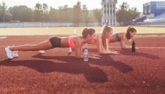 Vytrvalostní cvik k posílení břicha