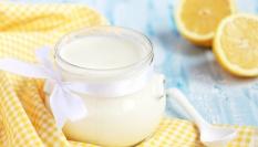 Výživná jogurtovo-citronová maska s droždím
