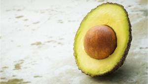 Zklidňující a regenerační maska z avokáda