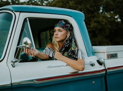4 módní trendy, kterým se letos nevyhnete