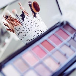 Jak ušetřit na nákupu kosmetiky?
