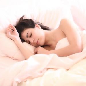 4 ranní návyky, které přispívají k tloustnutí