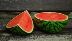 Melounem proti celulitidě