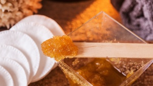 Olivový peeling pro hladký obličej