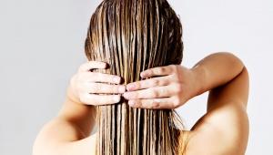 Domácí maska na vlasy z bílého jogurtu pro lesk vlasů