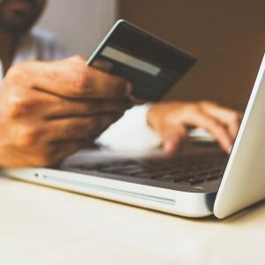 5 tipů, jak ušetřit při nákupech na internetu