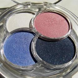 Kompaktní oční stíny Essence Quattro Eyeshadow - velký obrázek