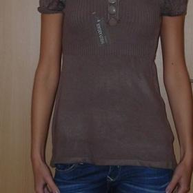 Hnědý svetřík - foto č. 1