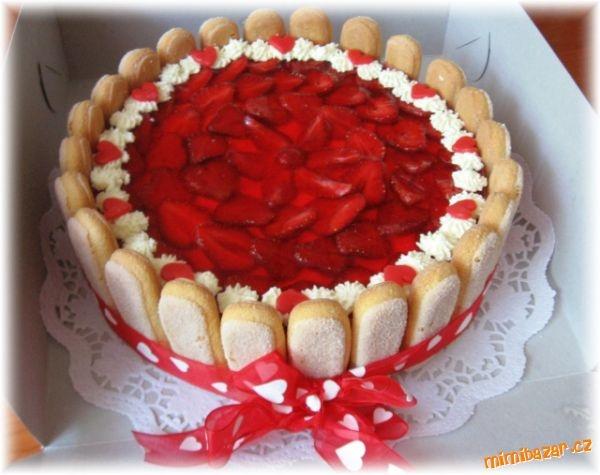 jednoduchý dort k narozeninám Jednoduchý dort pro babičku k 65. narozeninám s marcipánem   i  jednoduchý dort k narozeninám