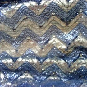 Černo-zlatý vlnkovaný šátek - foto č. 1