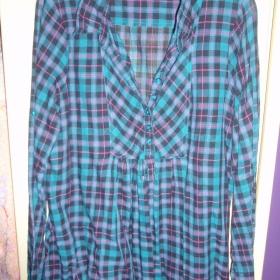 Volná modro-růžovo-černá košile značky ann christine - foto č. 1