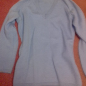 Modr� svetr zn. Sisley - foto �. 1