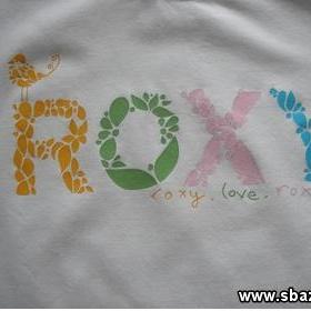 Tri�ka Benetton a Roxy s potiskem S - foto �. 1