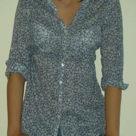 Modrá květovaná košile HM