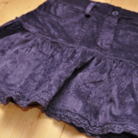 Fialová sametová sukně s volánkem - foto č. 1