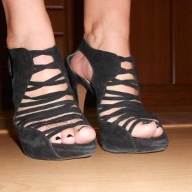 Černé semišové boty Zara - foto č. 1