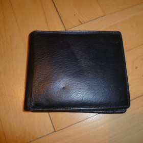 Černá koženková peněženka - foto č. 1