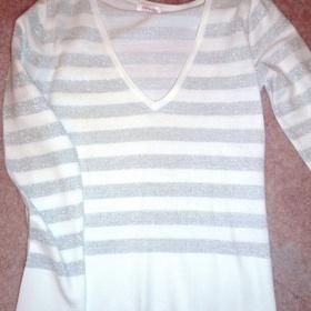 St��brno b�l� pruhovan� svetr s v�st�ihem do V zn. Orsay - foto �. 1