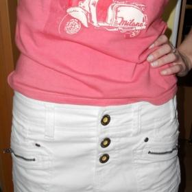 Bílá jeansová minisukně na knoflíky Bershka - foto č. 1