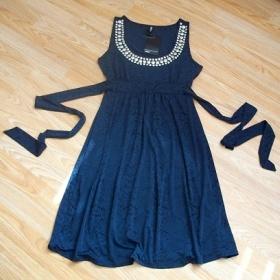 Modré šaty Takko s plíšky - foto č. 1