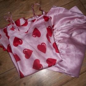 Růžové pyžamo - foto č. 1