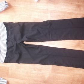 Černé jemně proužkované společenské kalhoty Orsay - foto č. 1