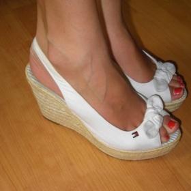 Boty na klínku - foto č. 1