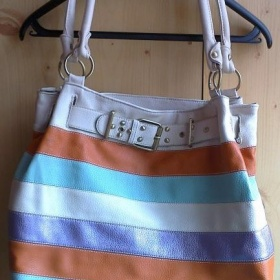 Kožená proužková barevná kabelka - foto č. 1