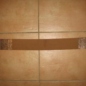 Hnědý pružný pásek se zlatými doplňky Tally Weijl - foto č. 1