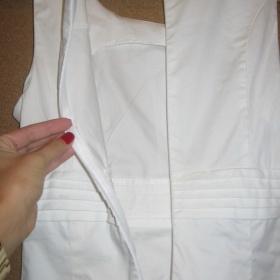 Sněhově bílé pouzdrové šaty Camaieu - foto č. 1