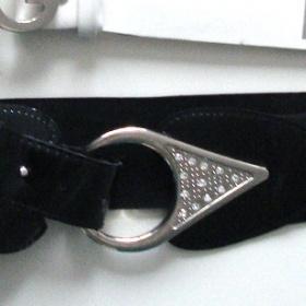 Černý široký pásek na gumu - foto č. 1