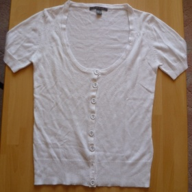 Bílý tenký svetřík na knoflíčky zn. Phillip Russel (Jeans Club) - foto č. 1
