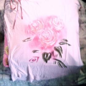 Růžové dámské tričko s růžemi - foto č. 1