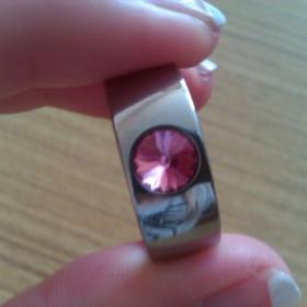 Prstýnek z chirurgické oceli s růžovým kamínkem - foto č. 1