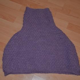 Fialov� svetr p�es ramena Beneton - foto �. 1