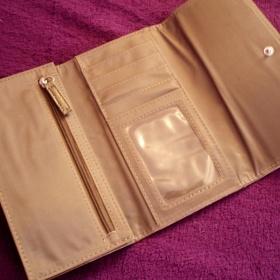 Bronzová peněženka s cvoky z Bijou Brigitte - foto č. 1