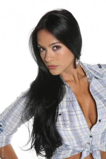 Carolina hermosa latina de cali se masturba por webcam - 2 part 9