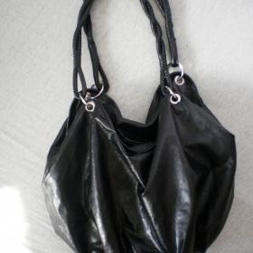 Maxi černá koženková kabelka/vak - foto č. 1