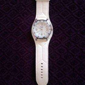 Kožené hodinky bílé barvy kulaté Diesel Time - foto č. 1