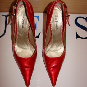 Lesklé červené jehlové kroko lodičky - foto č. 1