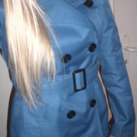 Tyrkysový kratší kabát s knoflíky Pimkie - foto č. 1