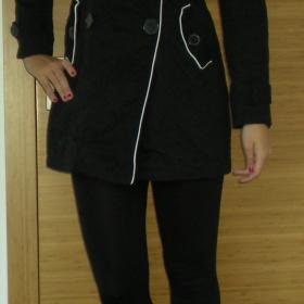 Černý trenčkot Orsay - foto č. 1